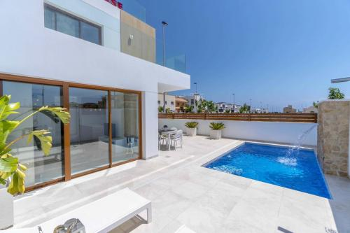 004 Villa Beach.jpg