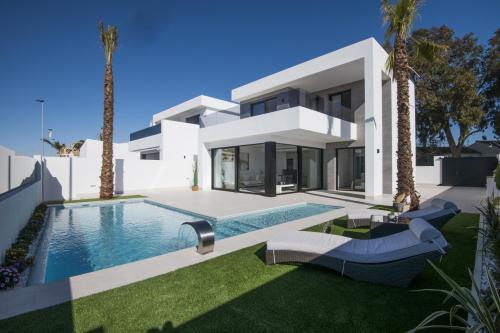 Stunning Villa close to the sea