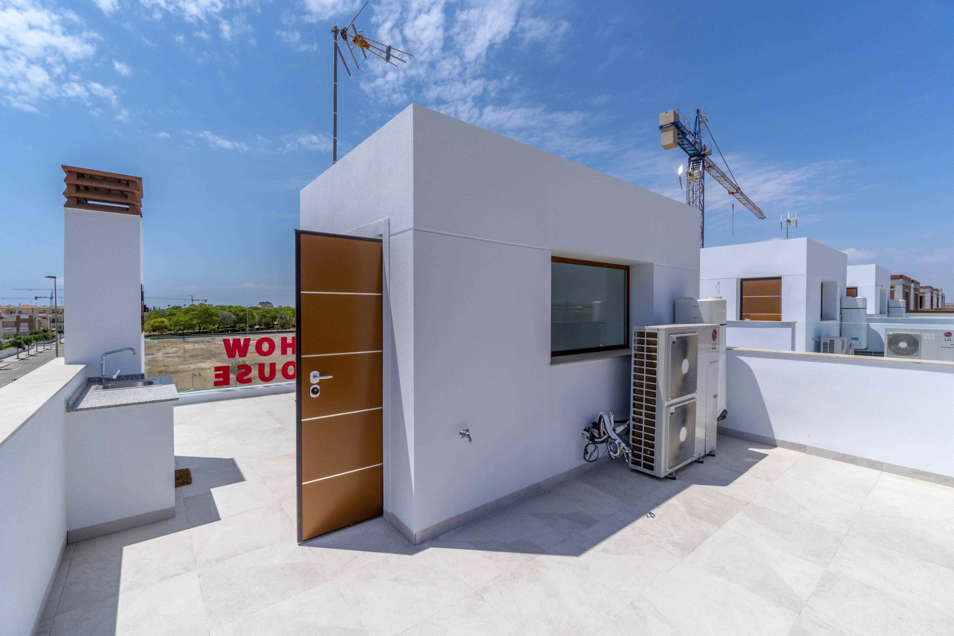 Villa in Torre de la Horadada only 300m to the beach