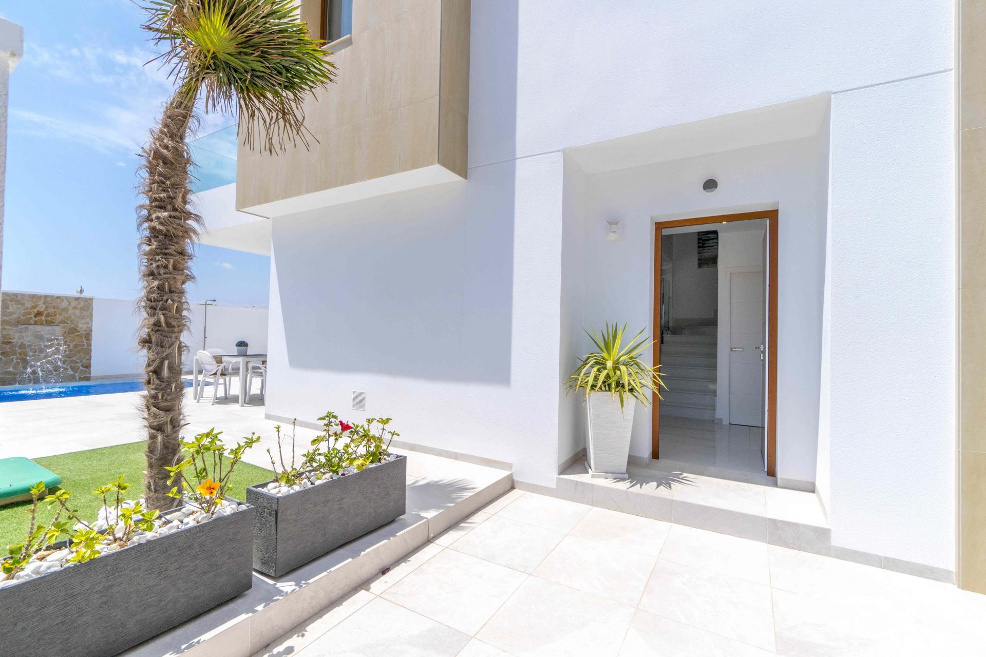 Villa in Torre de la Horadada only 300m to the beach