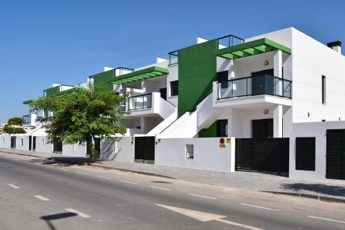 Bungalow in Mil Palmeras close to the beach