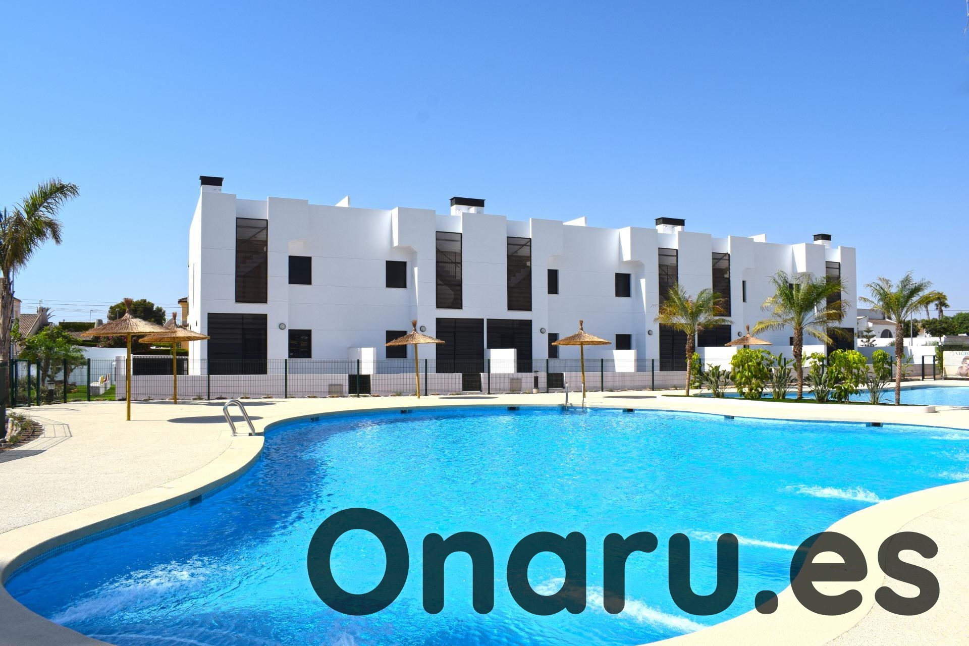 Ref:onaru-5447 Bungalow For Sale in Mil Palmeras