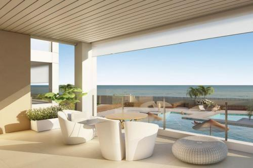 Luxury Apartment First Line Beach