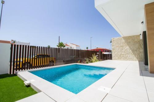 Luxury villa in Mil Palmeras
