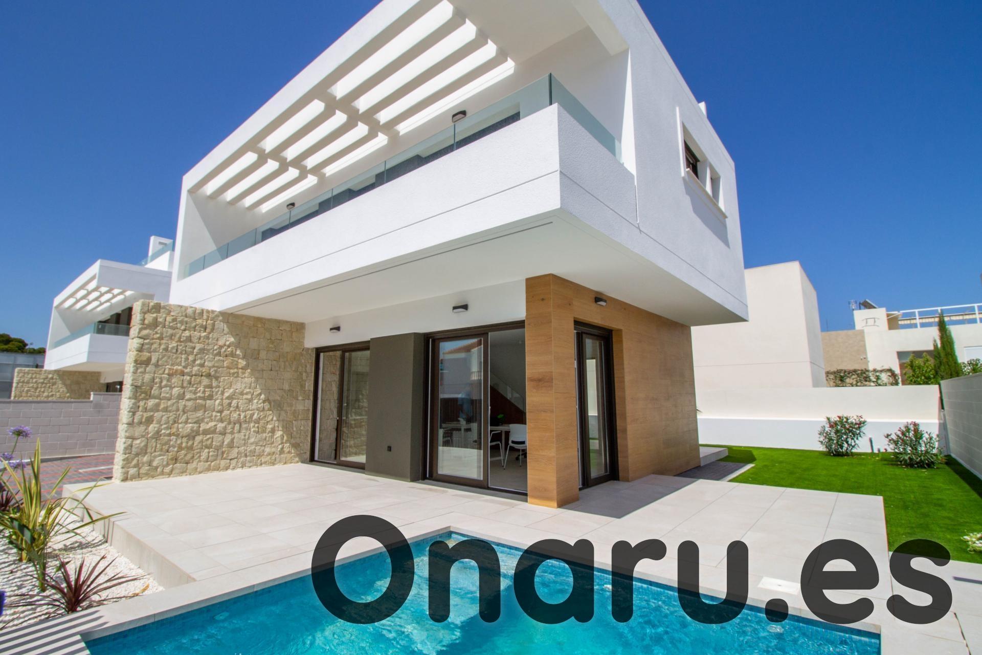 Ref:onaru-5489 Villa For Sale in Mil Palmeras